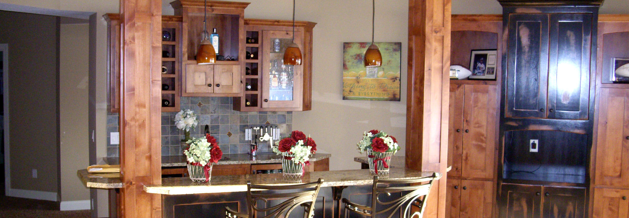 Beau Over 20 Years Of Experience. Kitchen With Custom Wood Cabinets